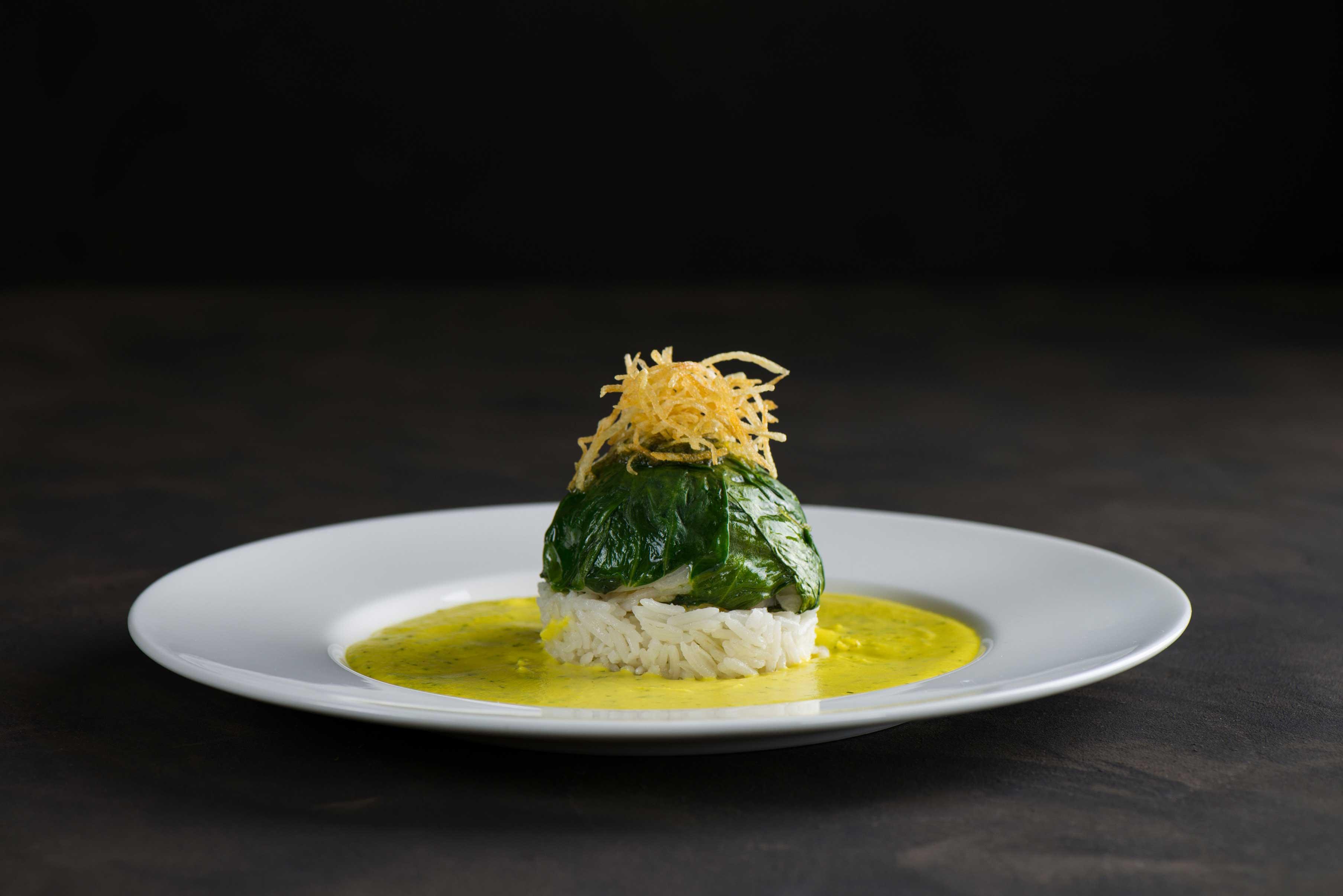 Филе-палтуса-со-шпинатом,-фаршированное-томатами-и-зеленью-с-пармезаном